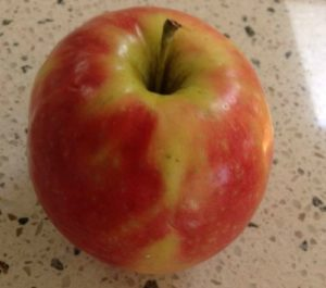 How to introduce apples and the colour red to your children