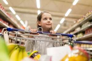 Three simple tips on how to make grocery shopping fun with your children